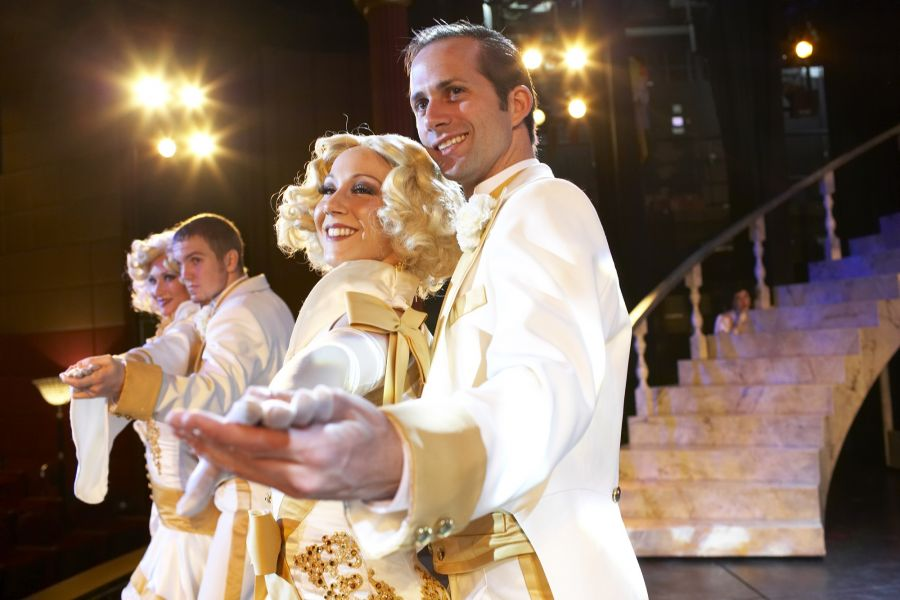 Regal Princess-entertaiment-Princess Theatre