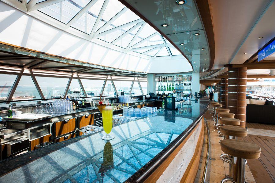 Regal Princess-entertaiment-Sea View Bar