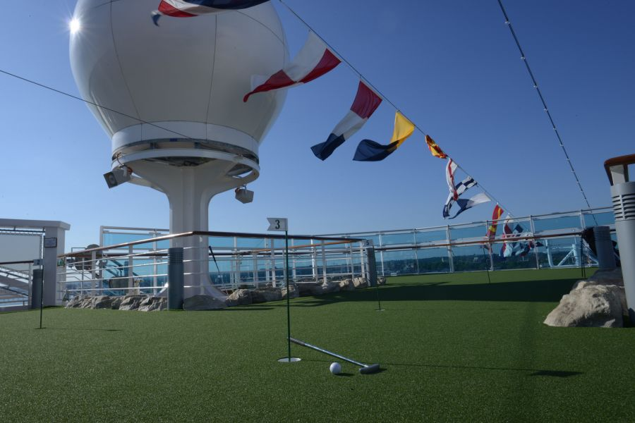 Regal Princess-health-and-fitness-Lawn Court