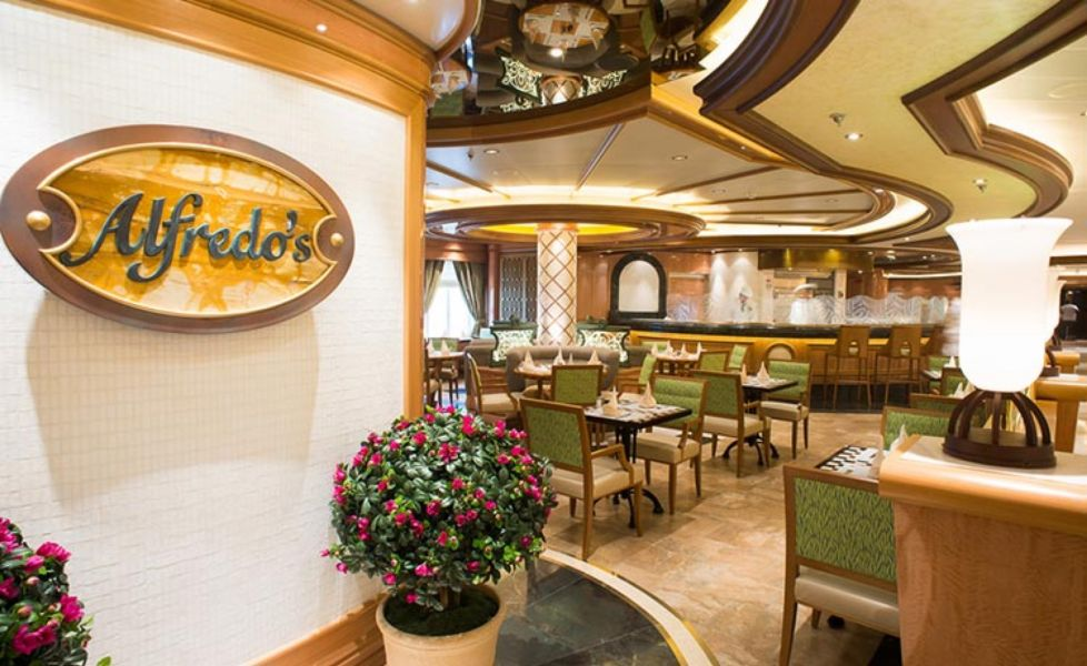 Royal Princess-dining-Alfredo's Pizzeria