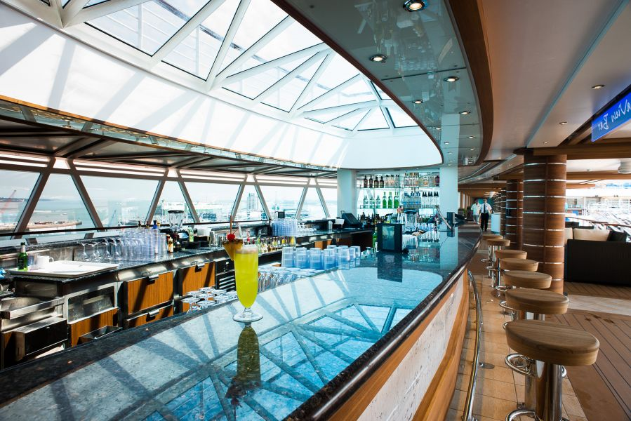 Royal Princess-entertaiment-Seaview Bar