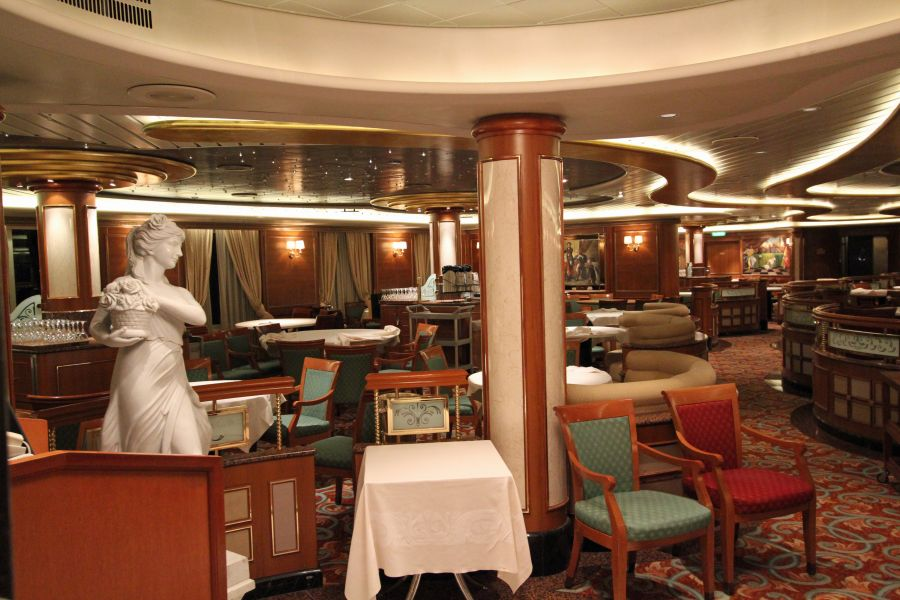 Sapphire Princess-dining-Anytime Dining- Pacific Moon & Savoy Din