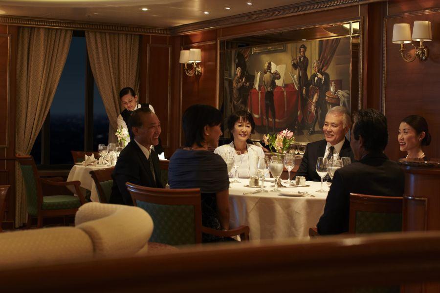 Sapphire Princess-dining-Vivaldi Dining Room