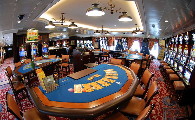 Sea Princess-entertaiment-Monte Carlo Casino & Card Room