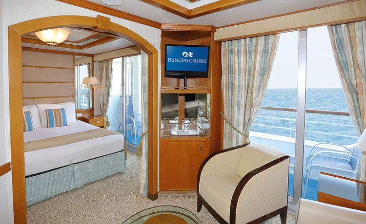 Sun Princess-stateroom-Mini-Suite with Balcony