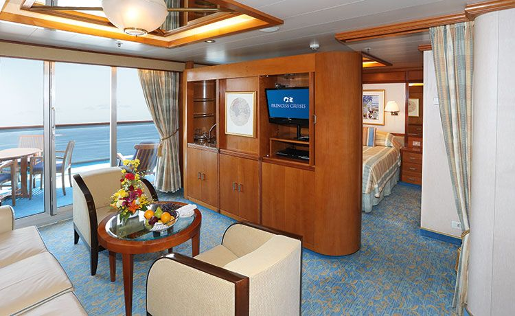 Sun Princess-stateroom-Suite with Balcony