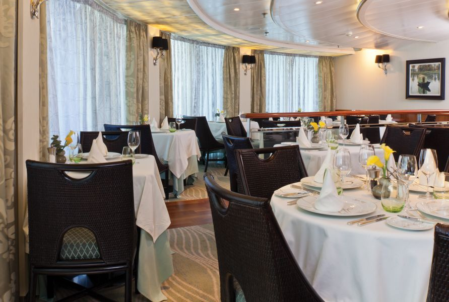 Seven Seas Navigator-dining-
