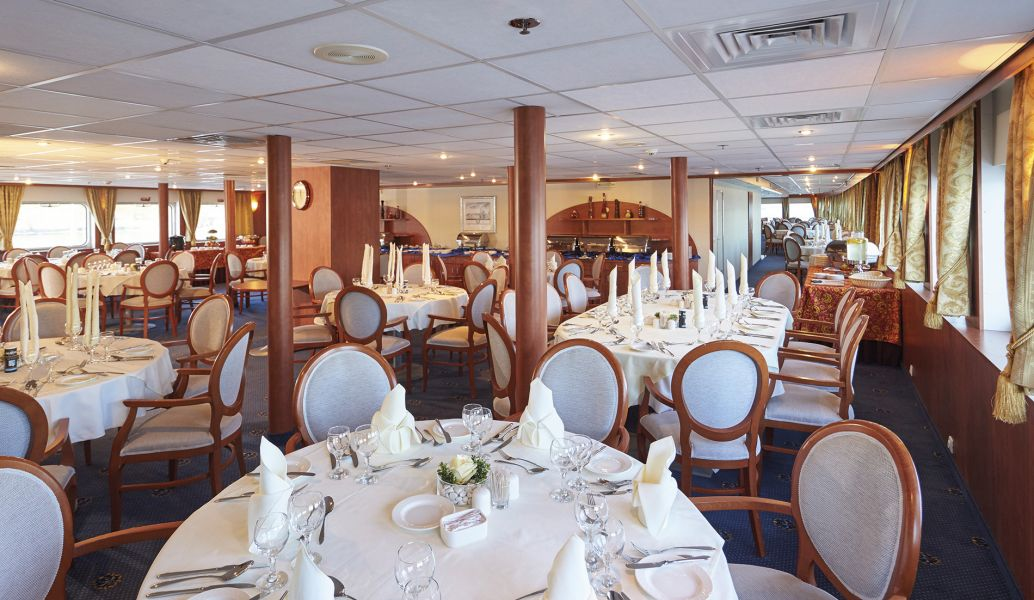MS Rossia-dining-