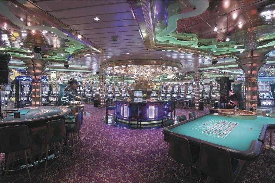 Enchantment of the Seas-entertainment-