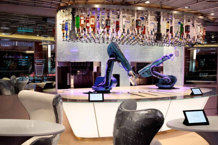Harmony of the Seas-entertaiment-Bionic Bar