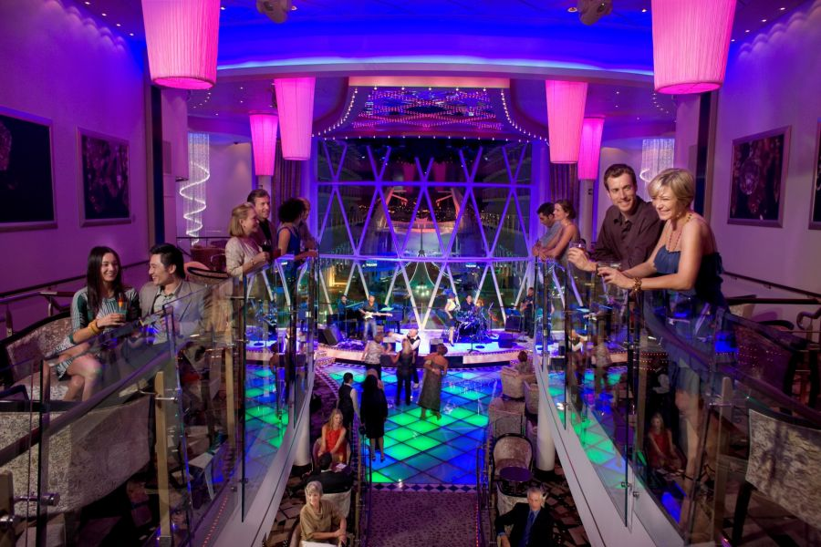 Harmony of the Seas-entertaiment-Dazzles