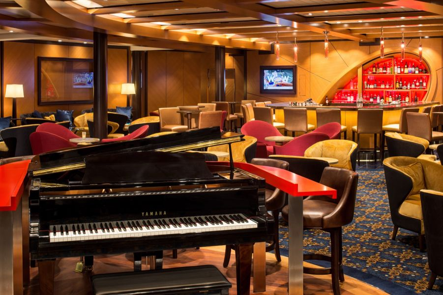 Harmony of the Seas-entertaiment-Schooner Bar