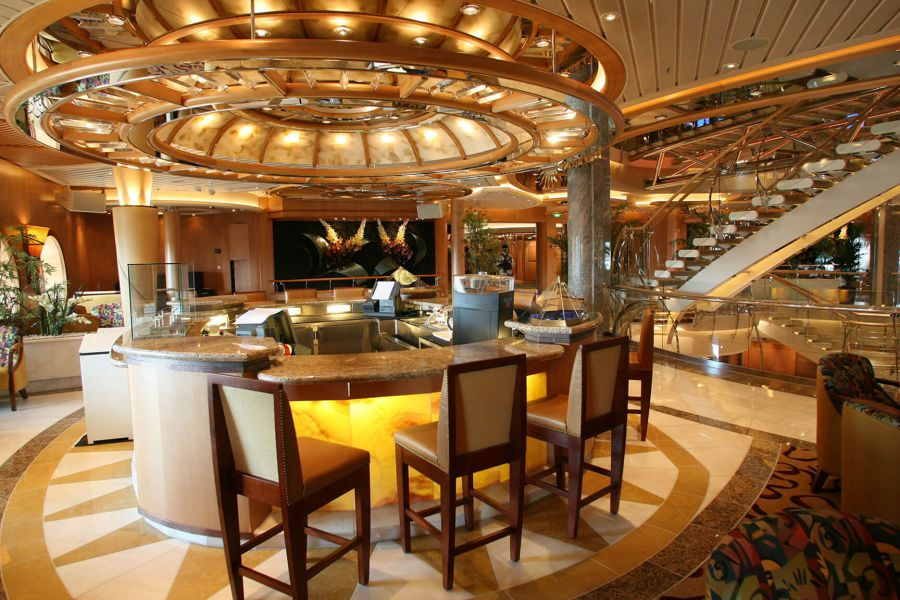 Independence of the Seas-entertainment-