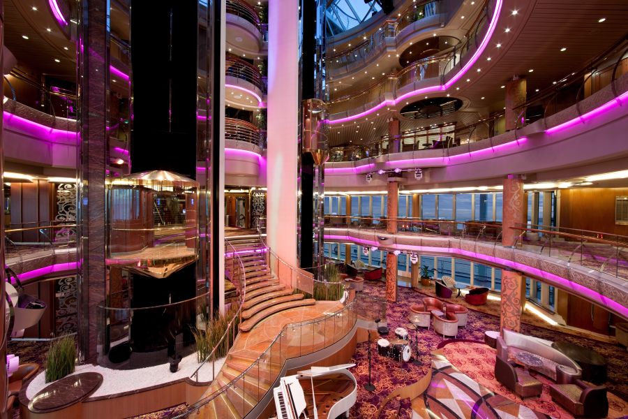 Vision of the Seas-entertainment-