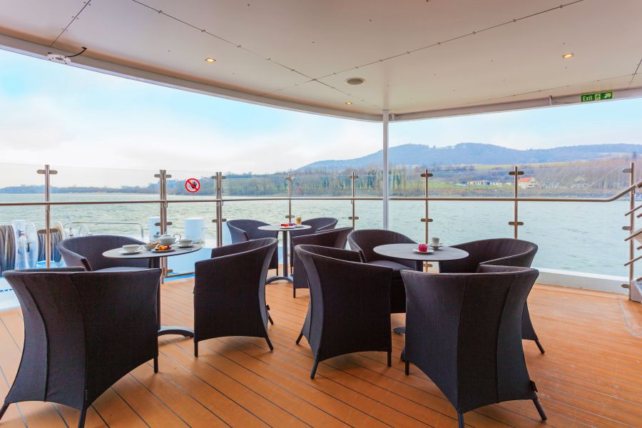 Scenic Sapphire-dining-