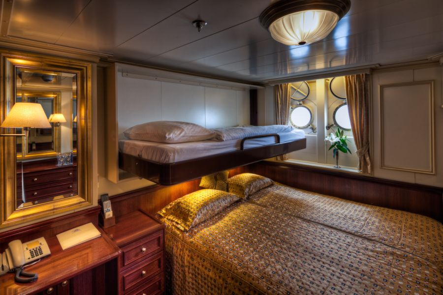 Royal Clipper-stateroom-