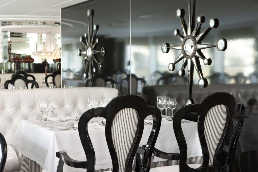 River Princess-dining-