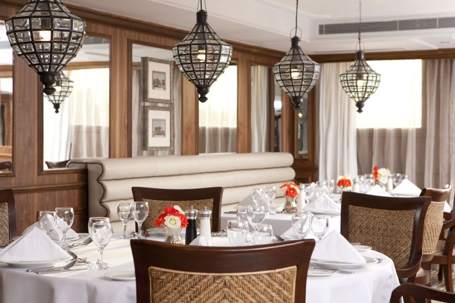 River Tosca-dining-