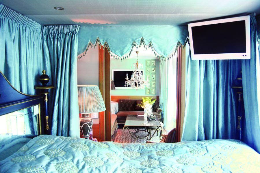 S.S. Antoinette-stateroom-