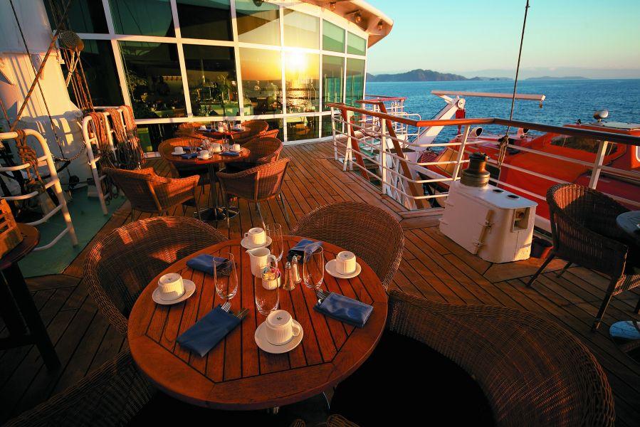 Wind Star-dining-